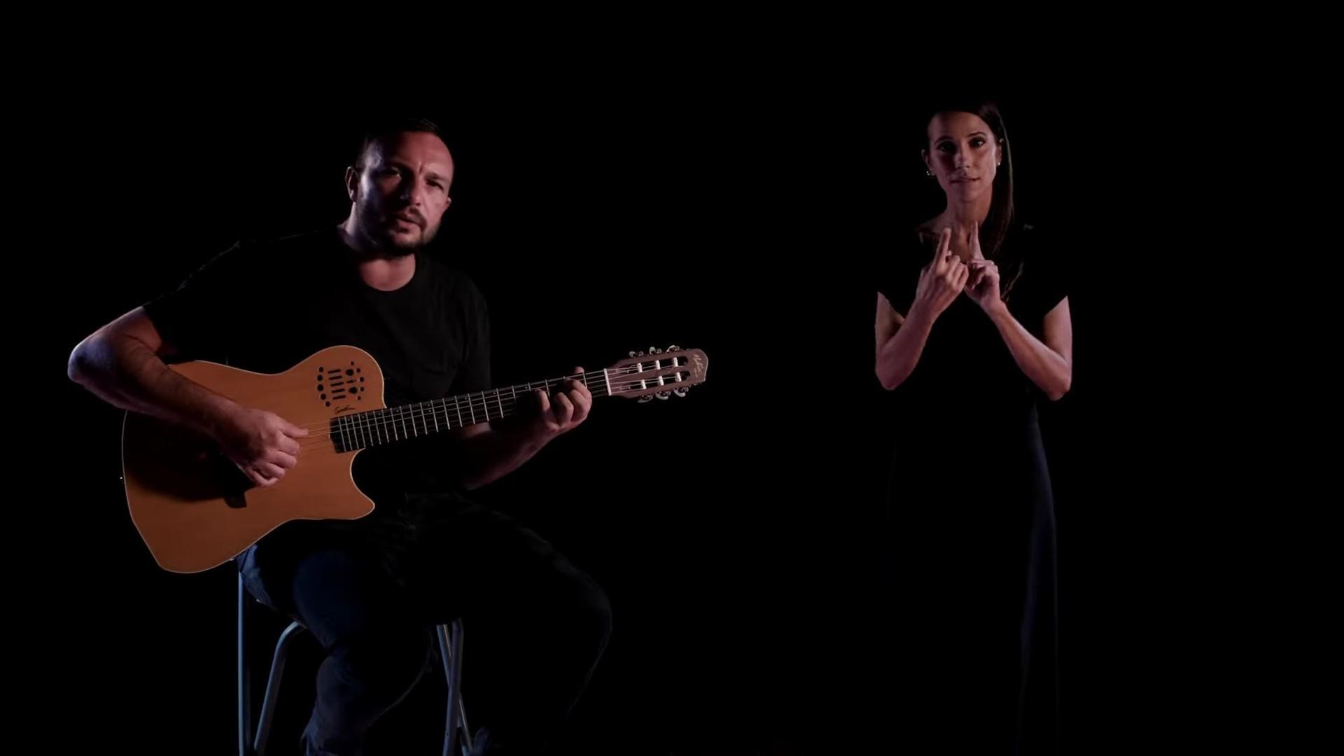 Antonio Carluccio: La parola è il nuovo singolo che anticipa l'album di inediti